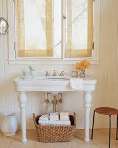 Bath Towels in a Basket