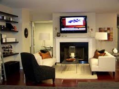 How to arrange furniture around fireplace and tv 6 guides for Tv room arrangements