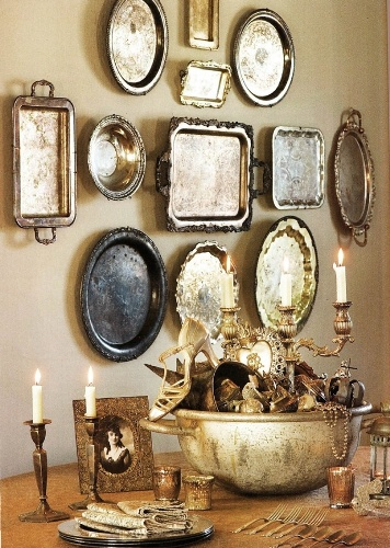 How to Arrange Metal Wall Art in Traditional Style