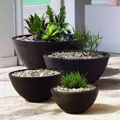 How to Arrange Outdoor Flower Planters