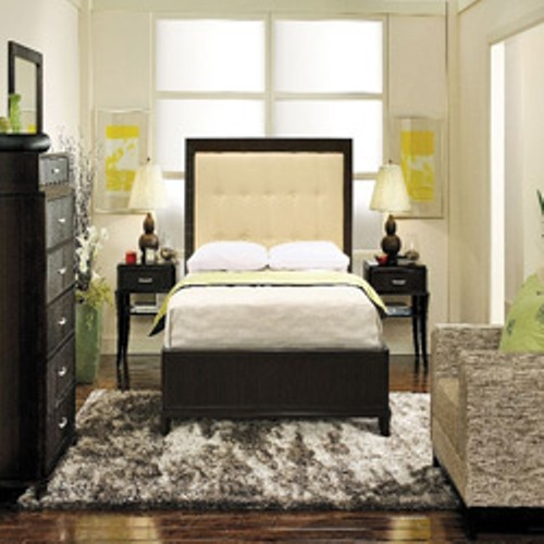 How to Arrange a Small Bedroom with a Queen Bed Images
