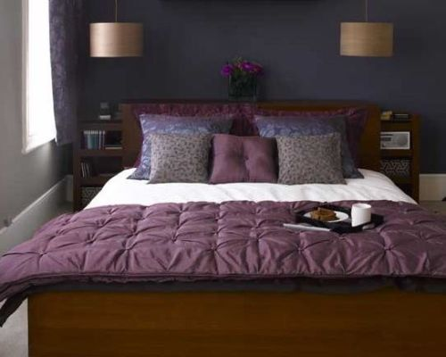 How to Arrange a Small Bedroom with a Queen Bed in Purple