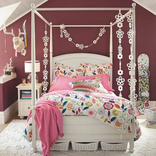 Bedroom Walls Teenage Girl with Canopy Bed