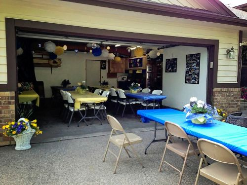 How to Decorate Garage for Graduation Party