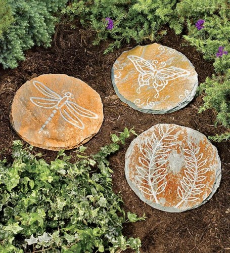 How to decorate garden stepping stones 5 ways using paint for Stepping stone designs garden