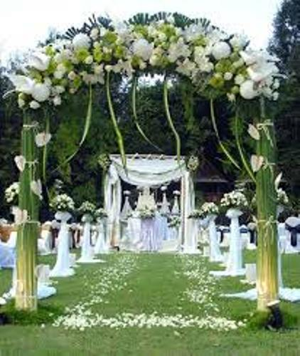 How to Decorate Garden for Wedding