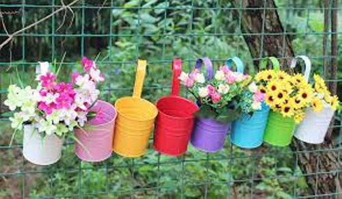How to Decorate Plastic Garden Pot