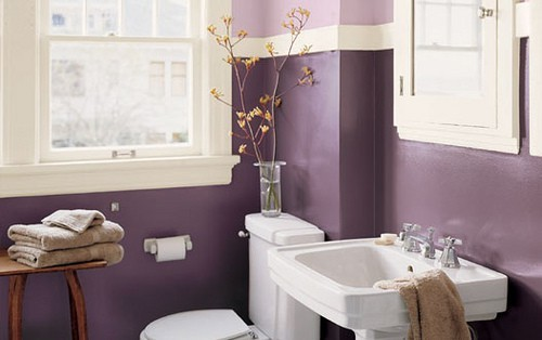 How to Decorate a Bathroom in Purple