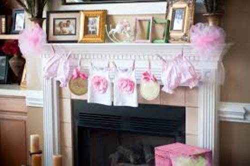 How to Decorate a Fireplace Mantel for a Baby Shower