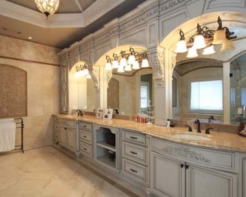 Classic Long Narrow Bathroom