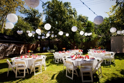How to Decorate Backyard with Paper Lanterns