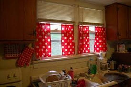 How to Decorate Kitchen Curtain