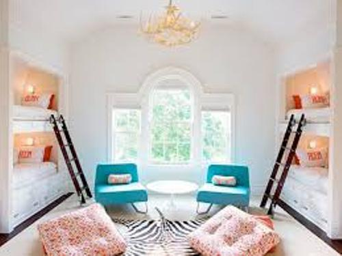 How to Decorate a Bedroom with a Bunk Bed