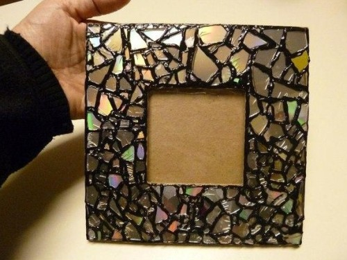 How to Decorate a Mirror Frame with Beads