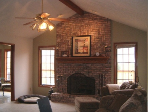 How to decorate a red brick fireplace mantel 5 ways for Brick fireplace wall decorating ideas