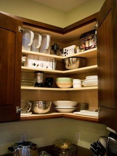 How to organize deep corner kitchen cabinets 5 tips for for Corner kitchen cabinets ideas