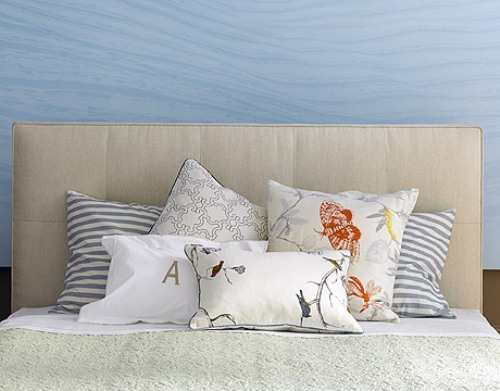 How to Arrange Pillows on a Cal King Bed