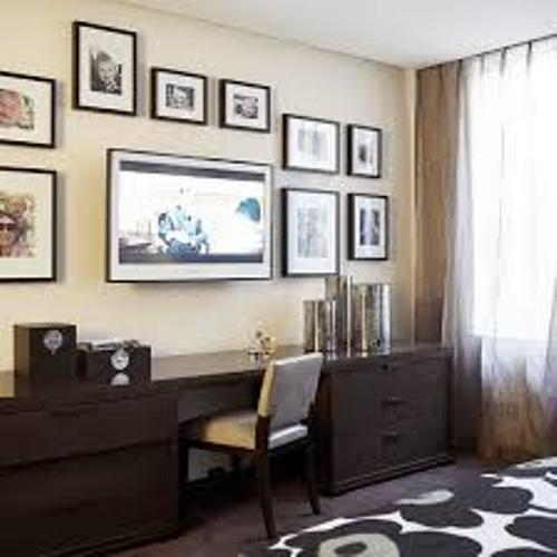Excellent Pictures Around a Flat Screen TV
