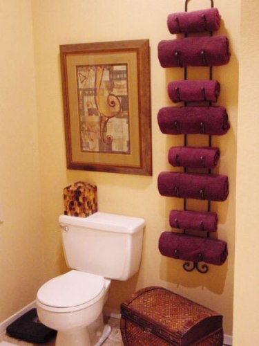 Bath Towels on Towel Bar Design
