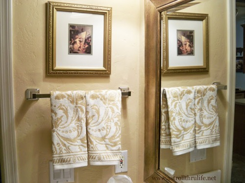 Bath Towels on Towel Bar Ideas