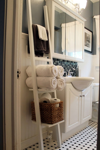 Bath Towels on Towel Bar Look