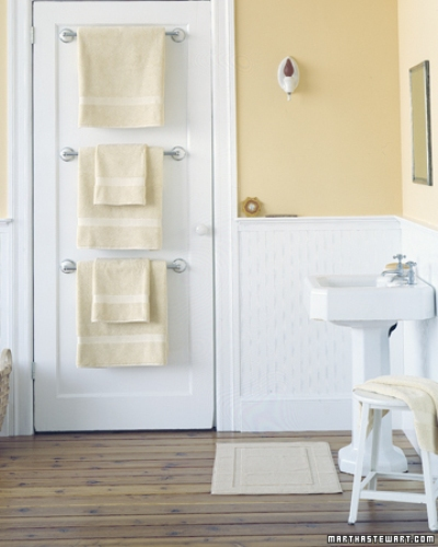 How to Arrange Bath Towels on Towel Bar