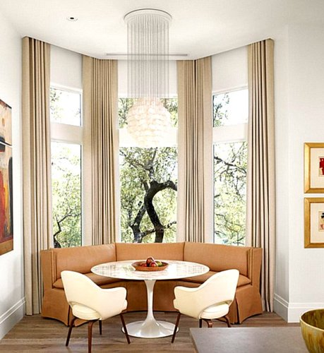 How to Arrange Furniture Around a Bay Window