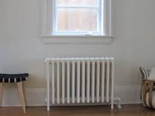 How to Arrange Furniture Around a Radiator At Home