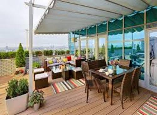 How to Arrange Patio Furniture on a Deck Images