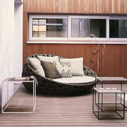 How to Arrange Patio Furniture on a Deck Pictures