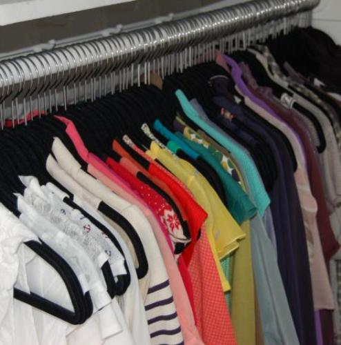 Organize Your Closet by Color Coding