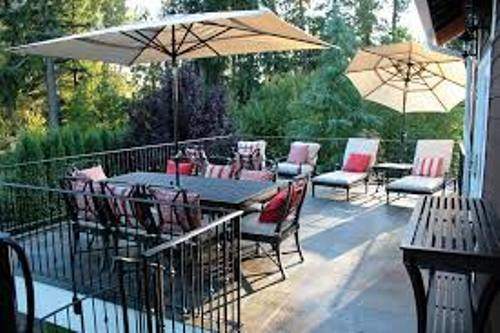 Patio Furniture on a Deck Pic