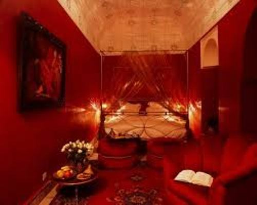 Bedroom for a Romantic Night in Red