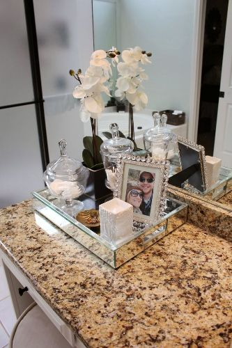 How to Decorate Bathroom Countertops