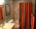 How To Decorate Bathroom Curtains: 5 Tips To Follow