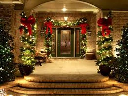 How to Decorate Garden for Christmas