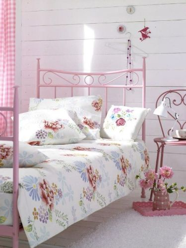 Shabby Chic White Bedroom Wall