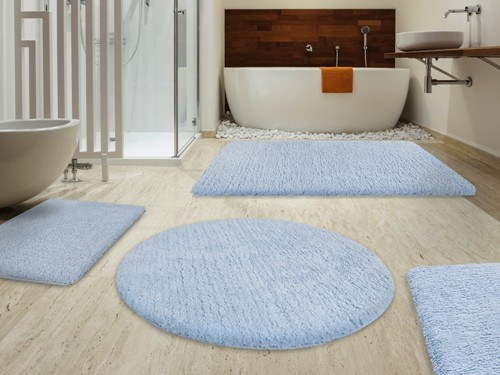 How To Arrange Bathroom Rugs: 5 Ways For Enchanting Bathroom Floor ...