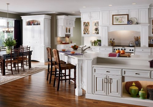 How to Decorate White Kitchen Cabinets