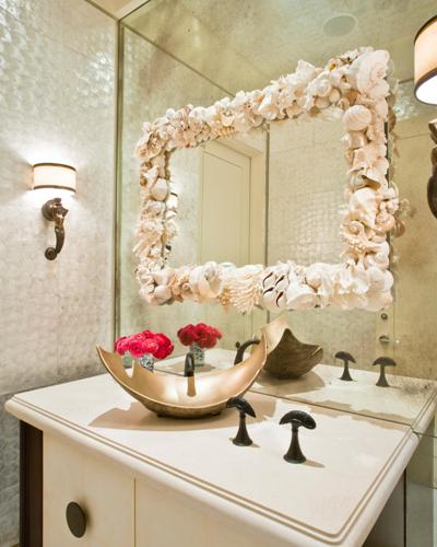 How to decorate a bathroom mirror frame with shells 5 for Mirror on mirror decorating for bathroom