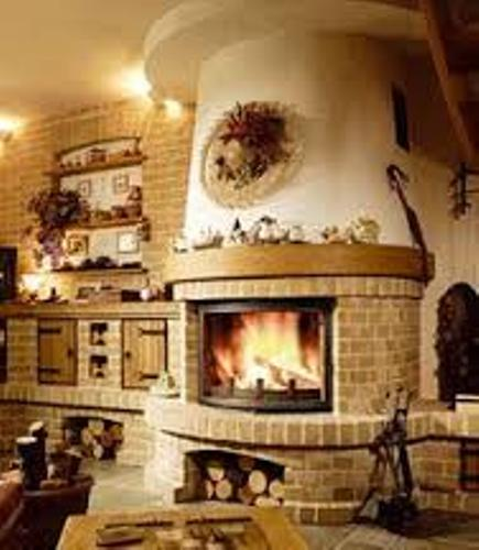 How to Decorate a Round Fireplace Mantel