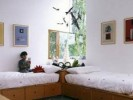 How To Arrange A Small Bedroom With Two Twin Beds: 5 Ways For Ample Design