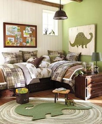 Small Bedroom with Two Twin Beds in Green