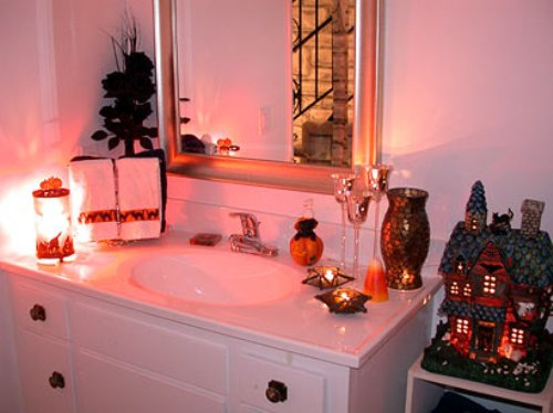 Sparkling Bathroom Mirror for Halloween