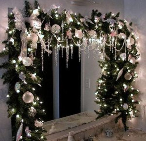 Christmas Decorations For Home Windows: How To Decorate A Bathroom Mirror For Christmas: 5 Ideas