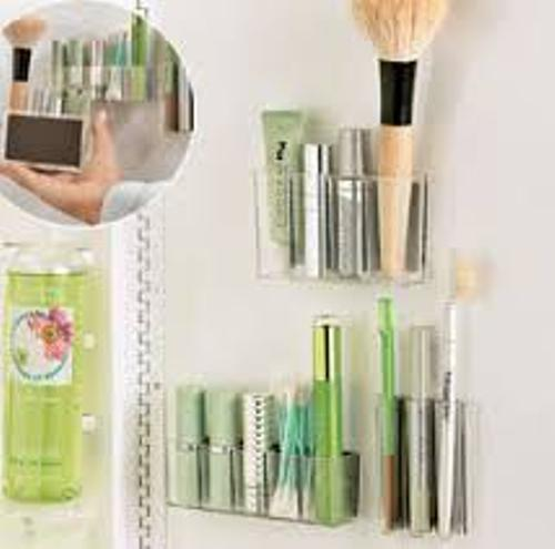 Creative Makeup Organizer in a Small Bathroom