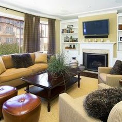 How to Arrange Living Room with TV above Fireplace