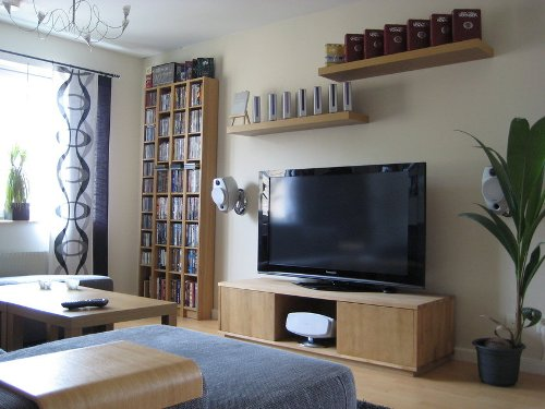 How to Arrange a Living Room with a TV