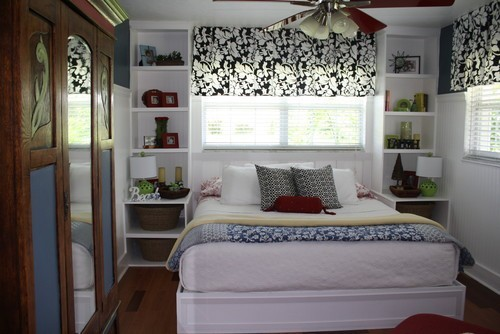 Nice Bedroom with a Large Window
