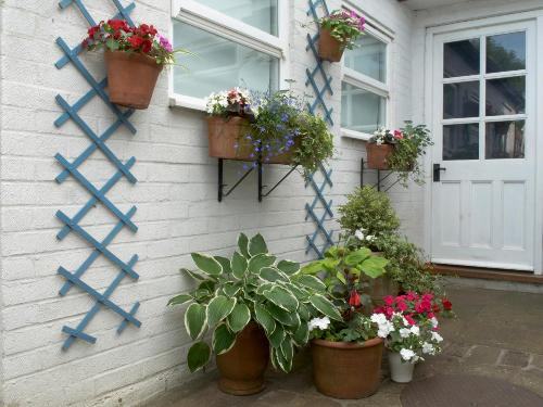 Pots in a Small Garden Design